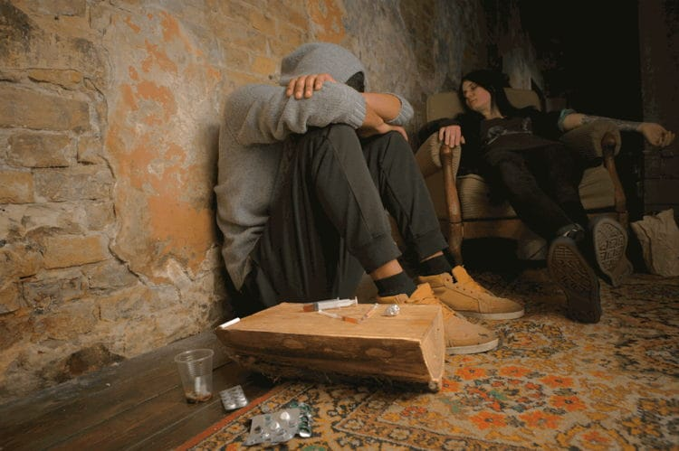 How Drug Abuse Affects Those Around You - by Lynda Arbon